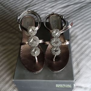 LN Kenneth Cole Reaction Sandals